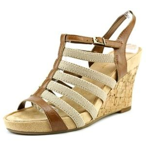 A2 by Aerosoles Magic Plush Wedge Sandals 8.5 New